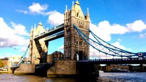 Entdecken Sie die London Tower Bridge mit staedtereisen-europa.ch